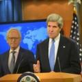 Présentation de Martin Indyk (en arrière) par John Kerry